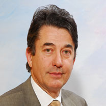 Claudio Todaro consultor Douglas McEncroe Group